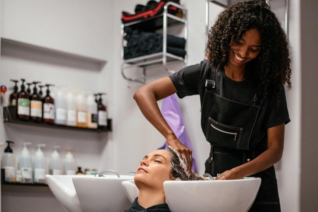 Hairdresser - curls